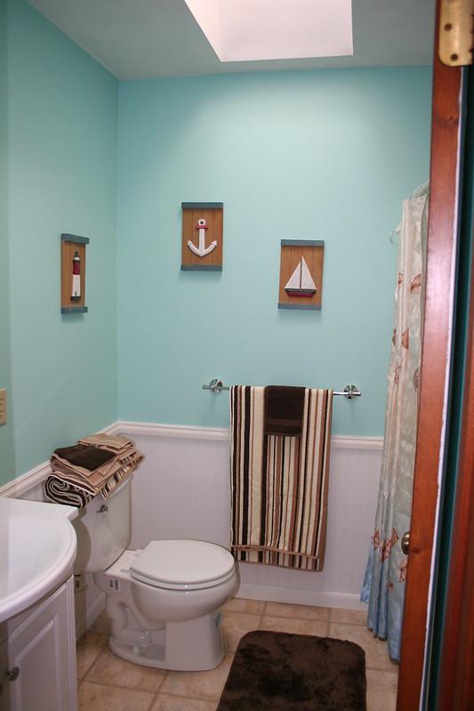 TL Bathroom 5-17-09 008