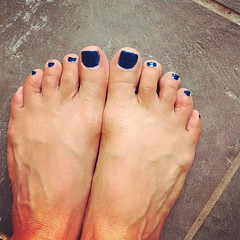Blue toes too!