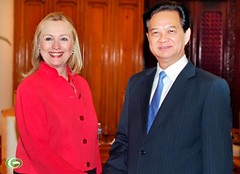 NguyenTanDung Photos posted a photo:	Prime Minister Nguyen Tan Dung on Tuesday received US Secretary of State Hillary Clinton who is on a two-day official visit to Vietnam.nguyentandung.info/nguyen-tan-dung-receives-us-secretary-...
