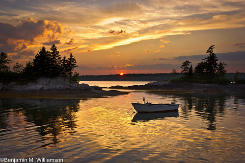 ocean sunset seascape reflection me landscape island islands harbor boat scenery maine newengland harpswell lookoutpoint harpswellneck
