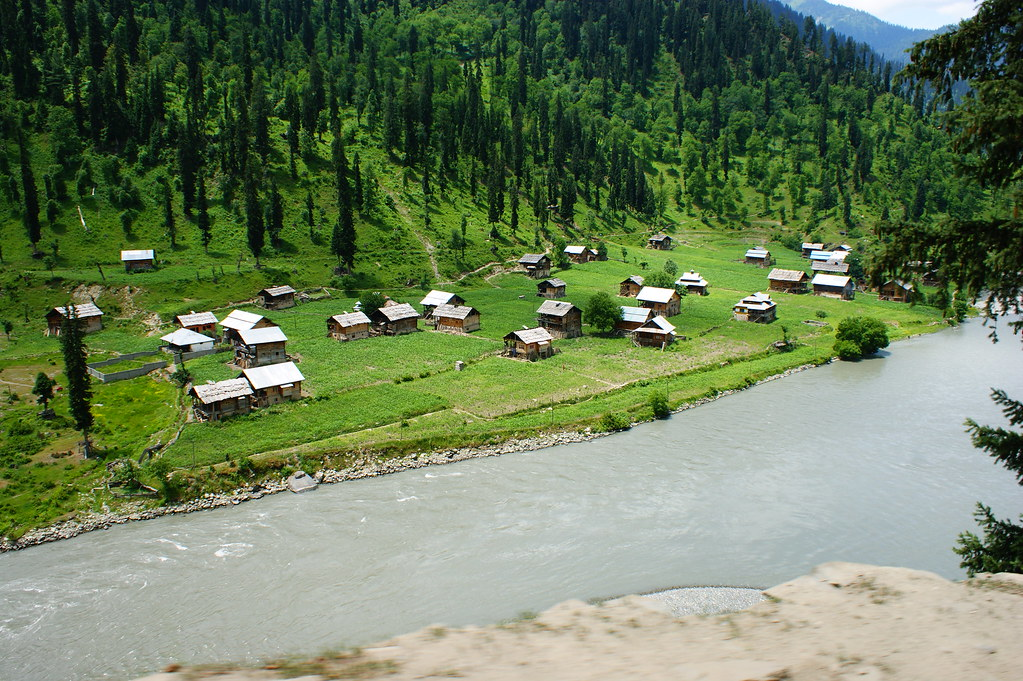 """MJC Summer 2012 Excursion to Neelum Valley with the great """"LIBRA"""" and Co - 7608877644 287e77d0cb b"""