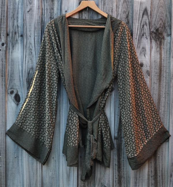 Kazzthespazz.com   Handmade Kimono Reverse print