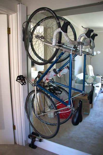 Derwiki Diy Swinging Urban Bike Rack