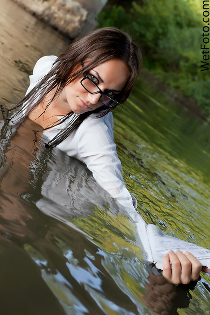 1234 Wetlook With Hot Woman In Business Suit Sexy -9087