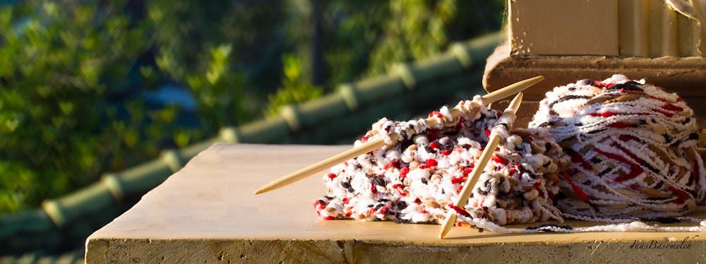 Knitted Artinya : Bokeh experiment baiti jannati