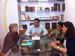 EL ALCALDE DE CORIA Y LA CONCEJAL DE EDUCACIÓN SE REUNEN CON LAS RESPONSABLES DE LA UNED