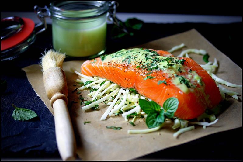 Lachs mit Wasabi-Sauce und frischer Minze