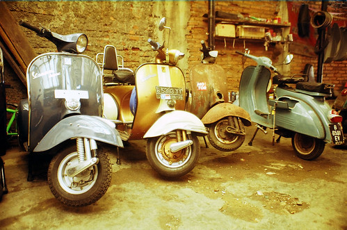 vespa super by gandi purwandi
