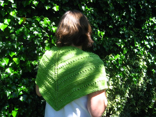 Spring green shawl finished