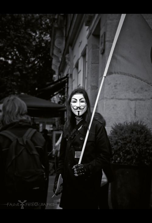 [PHOTO] Sous ce masque, il y a plus que de la chair. Sous ce masque, il y a une idée Creedy... Et les idées sont à l'épreuve des balles.