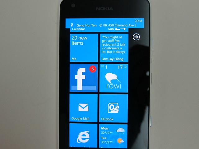 Nokia Lumia 900 - Live Tiles