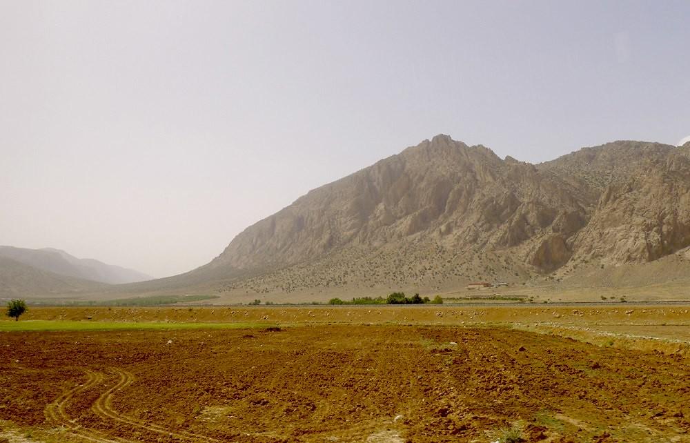 yazd-shiraz-L1030133