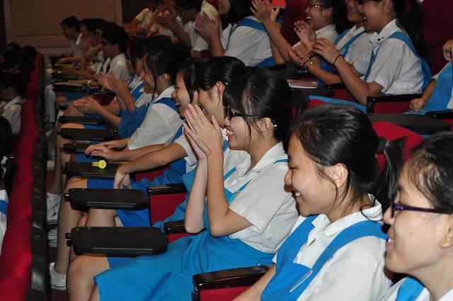 循人中学 15/06/2012 (六之四)初三生:关爱自己的生命