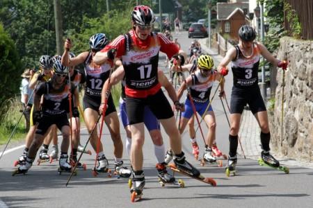 Jak se závodí na kolečkových lyžích - Rollski Bergläuf Seiffen