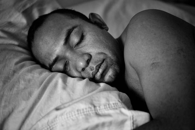 SLEEPING PANAMANIAN bw