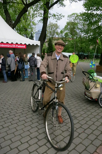 Riga Bicycle Flower Festival-002