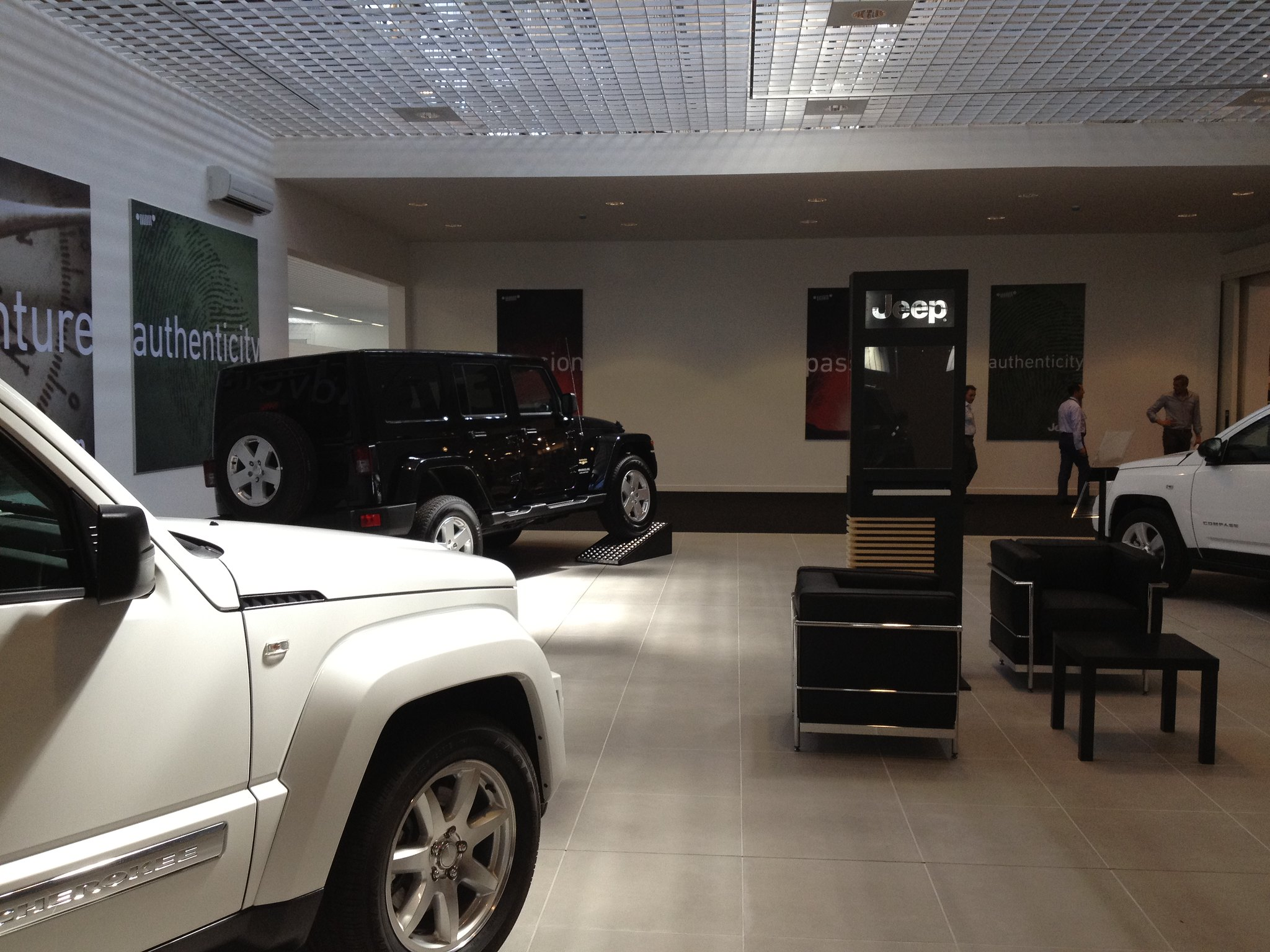 Motor Village Roma Il Nuovo Showroom Jeep In Esposizione Flickr Photo Sharing