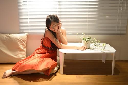 無料写真素材, 人物, 女性  アジア, ワンピース・ドレス, 頬杖, 台湾人