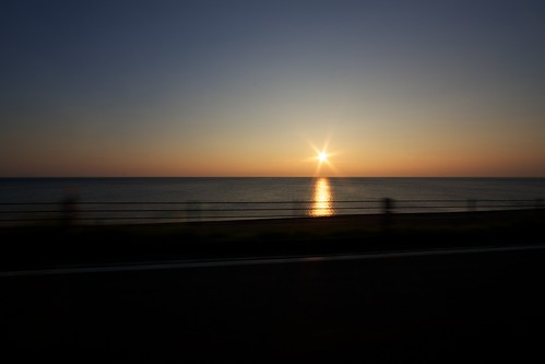 日本海に沈むごく普通の夕日
