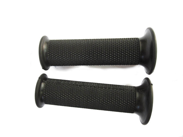 Black Natural Rubber Grips