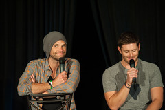 SPN_Dallas_2016_Jared_and_Jensen_main_panel_169
