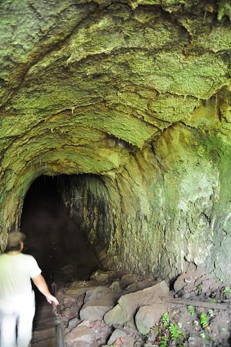 溶岩トンネル