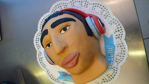 Portrait Cake by CAKE Amsterdam - Cakes by ZOBOT