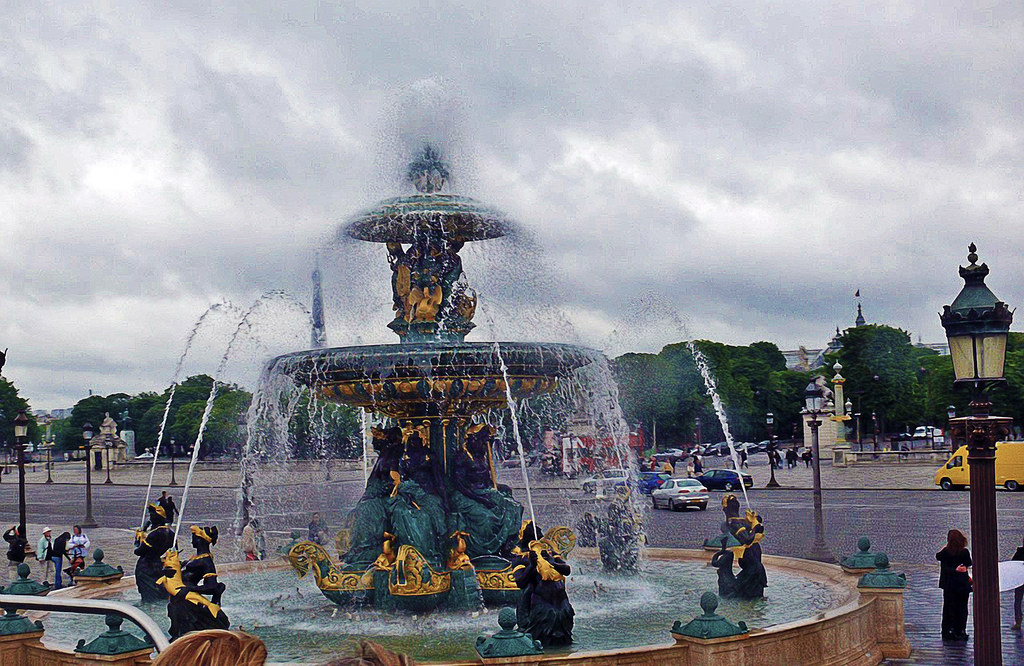 Fountain at Place De La Concorde Paris ls