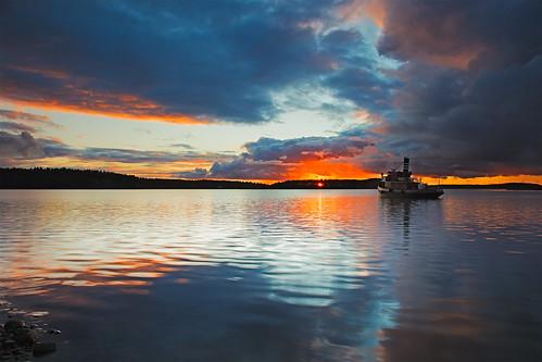 sunset lake clouds suomi finland tugboat lappeenranta saimaa