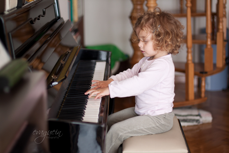 20120610Val-toca-piano002-R3-BLOG