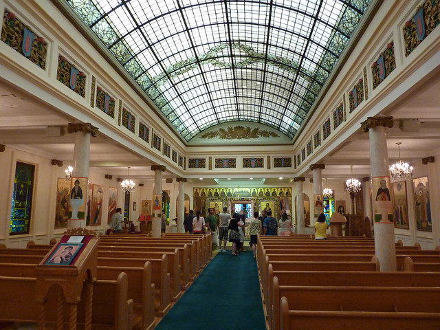 P1080712-2012-05-20-St-John-Chrysostom-Melkite-Church-Atlanta-sanctuary-full