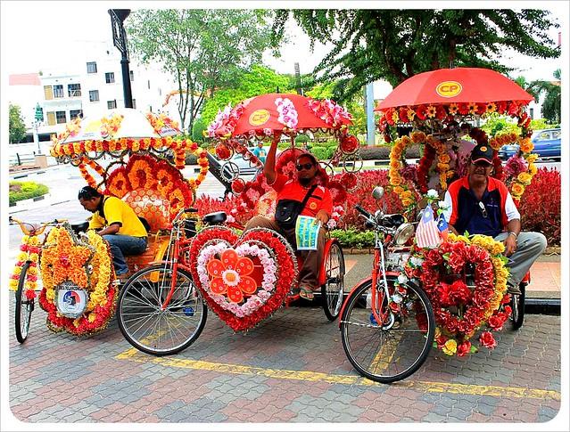 melaka rickshaw drivers