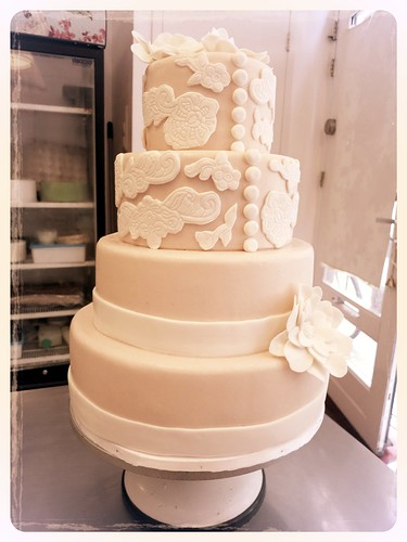 Lace Wedding Cake by CAKE Amsterdam - Cakes by ZOBOT