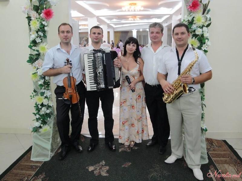 Светлана Долгова и группа REAL LIVE > Фото из галереи `Svetlana Dolgov si formatia REAL LIVE`