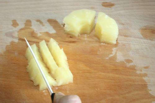14 - Ananas würfeln / Dice ananas