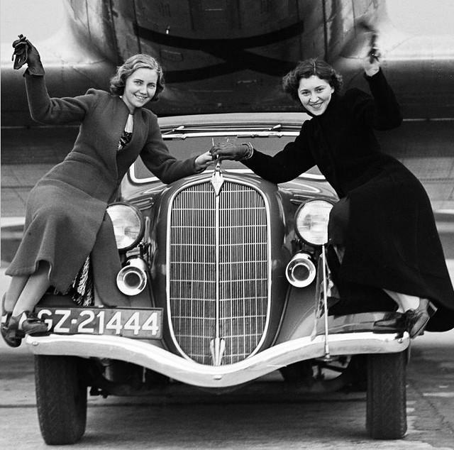 1935 Hudson (GZ-21444) Schiphol 1937
