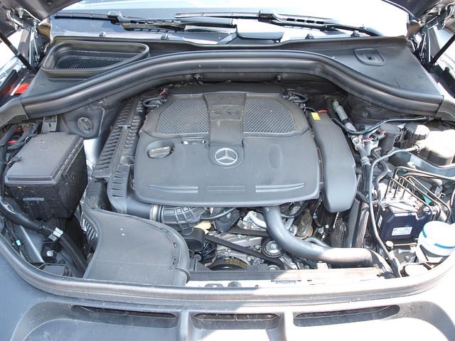 2012 Mercedes-Benz M-Class 24