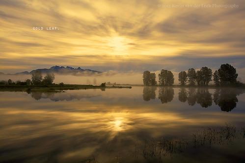mist mountains reflection clouds sunrise dawn goldenears pittmeadows alouetteriver canonef1635mmf28liiusm kvdl
