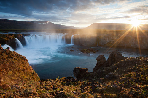 geotagged waterfall iceland lee nd midnightsun akureyri godafoss leefilters geo:tool=houdahgeo geo:lat=6568295 geo:lon=1754853 geo:alt=13119080