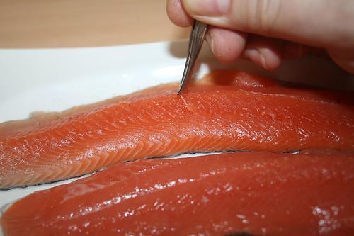 17 - Forelle entgräten / bone trout