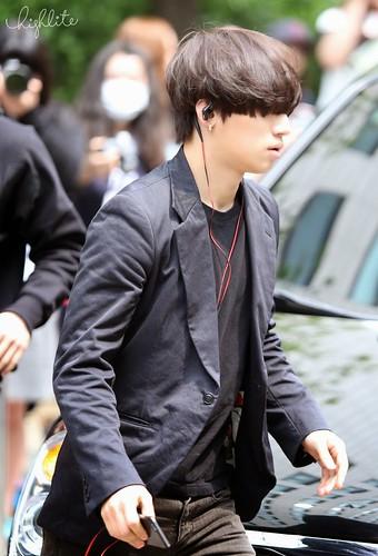 Seungri Daesung HQs KBS Arrival 2015-05-15 05
