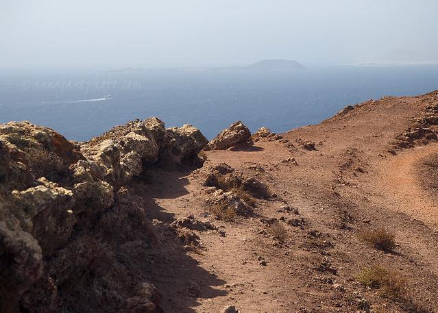 Isla de Lobos from Montaña Roja