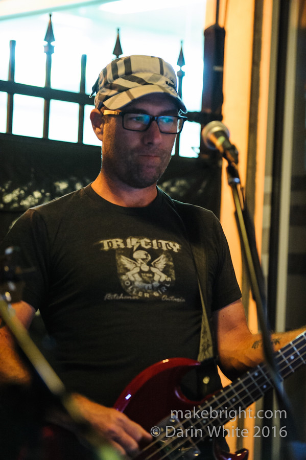 Heinz 57 and The Wailing Whippets at Strykerz 149