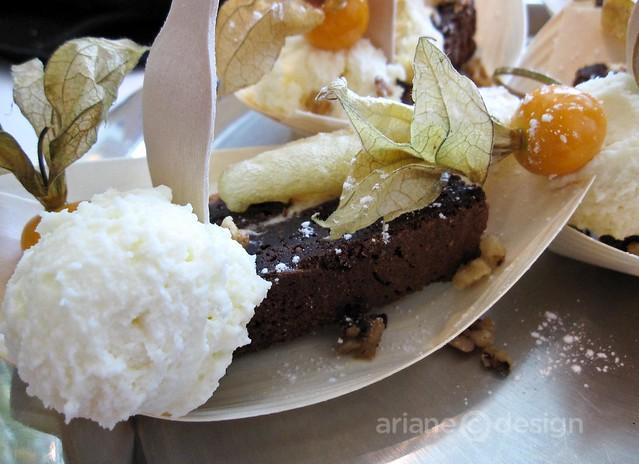 Cedar room banana brownie, marbled chocolate cheesecake brownie, tempura banana, maple roasted walnuts