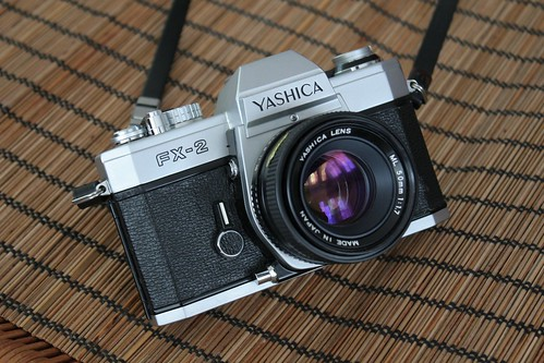 Yashica FX-2 / Yashica Lens ML 50mm 1:1.7