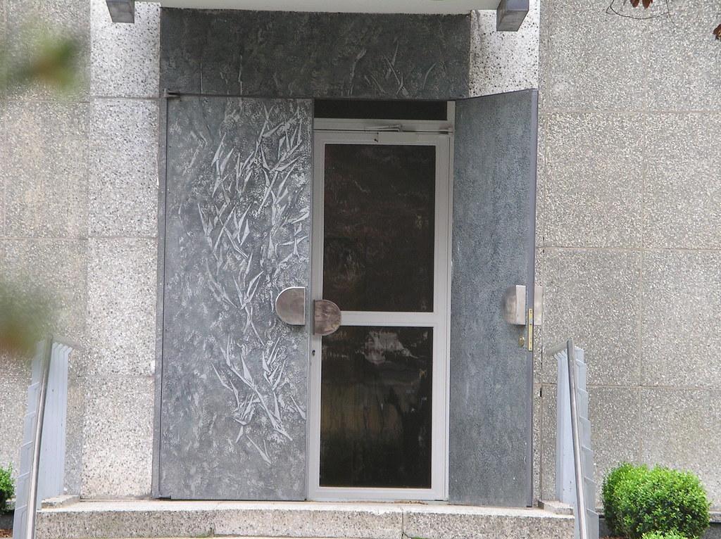 1972/74 Berlin-O. Eingangstür Wohngebäude Botschaft Nordkorea von Achim Kühn Glinkastraße 7 in 10117 Mitte