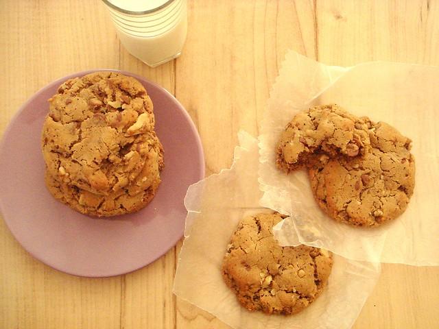 running foodie chocolate chip cookies