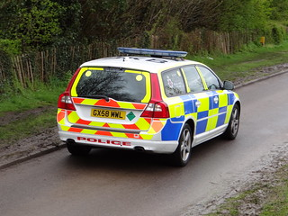Surrey Police - Volvo V70 D5 Armed Responce Vehicle ( GX58 MWL )