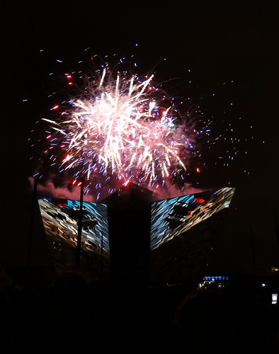 Titanic Belfast Light Show 08