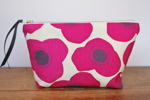 poppies fushia - linen/cotton pouch